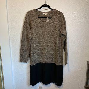 Hem & Thread Knit Sweater with Shirt Tail